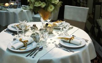 normas de etiqueta en la mesa