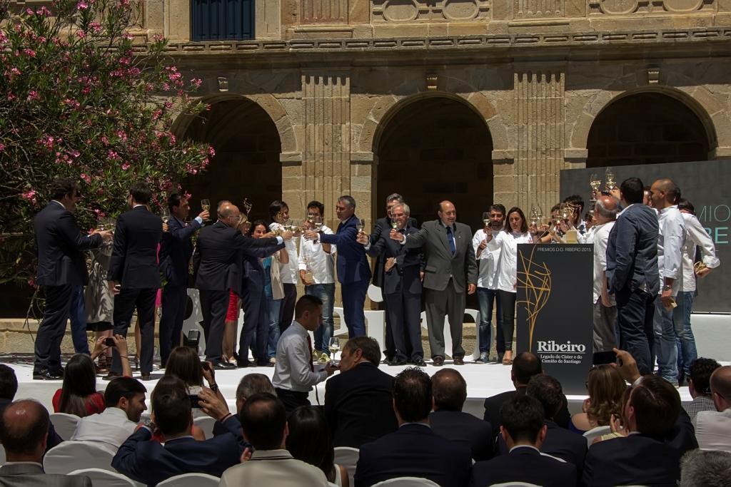 eventos-galicia-ribeiro-escenografia-azafatas-ribeiro-2015-premios