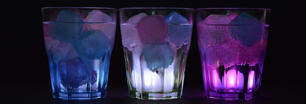 glasses-ice-cubes-illuminated-drink-162480