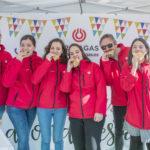 equipo de azafatas y personal auxiliar en un evento en Galicia